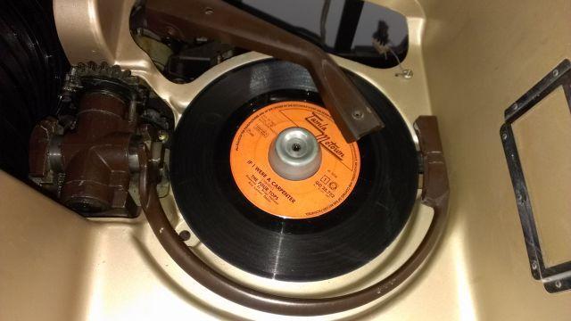 45 Record Juke Box